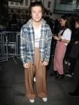 Harry Styles esce dalla BBC Live Lounge a Londra