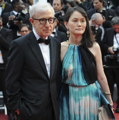 WOODY ALLEN - Presto Yi Previn (FEMME DE WOODY ALLEN) CINEMA: 69 eme Festival de Cannes - Cafe Society - 05/11/2016