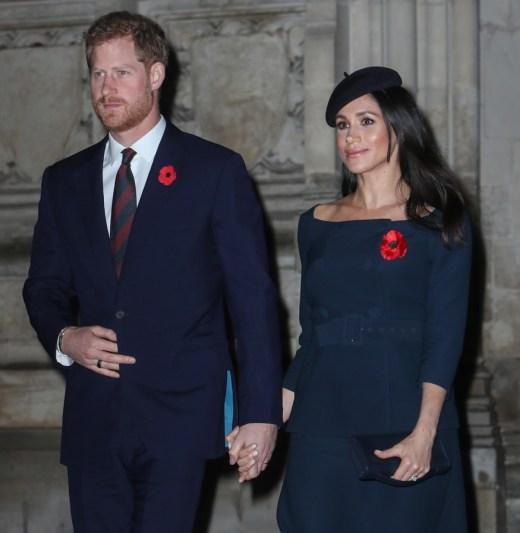 La famiglia reale partecipa a un servizio per commemorare l'armistizio nel centenario della fine della prima guerra mondiale