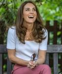 Catherine, duchessa di Cambridge, ascolta da famiglie e organizzazioni chiave i modi in cui il sostegno tra pari può aiutare a migliorare il benessere dei genitori mentre trascorre la giornata imparando l'importanza delle iniziative alimentate dai genitori