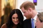 Il principe Harry, duca di Sussex e Meghan, duchessa di Sussex britannici reagiscono durante la loro visita a Canada House ringraziando per la calorosa ospitalità canadese e il sostegno ricevuto durante il loro recente soggiorno in Canada, a Londra, il 7 gennaio 2020.