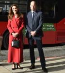 Catherine, duchessa di Cambridge, e il principe William, duca di Cambridge, visitano il lancio della campagna Hold Still alla stazione di Waterloo