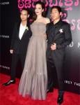 Angelina Jolie, Maddox Jolie-Pitt, Pax Jolie-Pitt al primo hanno ucciso mio padre New York premiere al teatro DGA