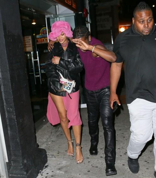 Rihanna e ASAP Rocky sono tutti sorrisi che lasciano Barcade