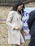 """Meghan Duchessa del Sussex visita l'organizzazione benefica per il benessere degli animali """"Mayhew"""", Londra, Regno Unito"""