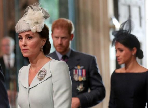 Il principe Harry britannico, sua moglie Meghan, il duca e la duchessa del Sussex e Catherine, duchessa di Cambridge, arrivano all'Abbazia di Westminster per un servizio in occasione del centenario della Royal Air Force