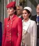 La duchessa di Cambridge sta con la duchessa del Sussex nell'abbazia di Westminster