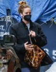 Jennifer Lawrence si è vestita in modo elegante mentre era in giro a New York