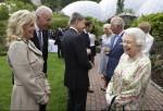 La regina Elisabetta II parla con Joe e Jill Biden al vertice del G7