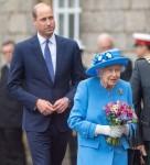 La regina e il principe William partecipano alla cerimonia delle chiavi a Edimburgo