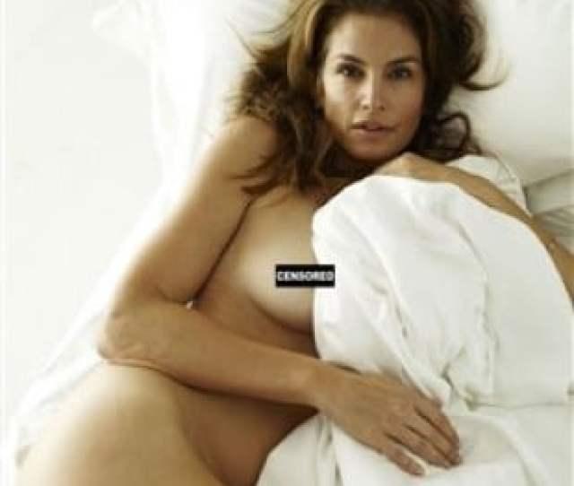 Cindy Crawfords Sickening Nude Photo Shoot
