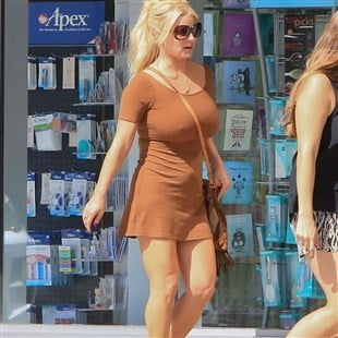Jessica Simpson Takes Her Big Boobies Out On An Errand