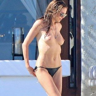 Heidi Klum Topless Candid Vacation Photos