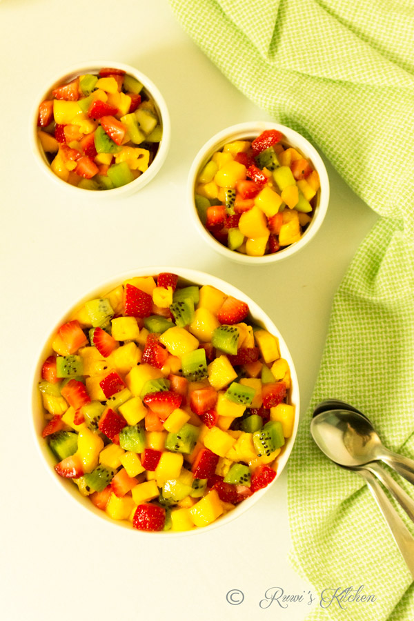 It is a healthy, quick and simple  Summer salad that everyone will love.