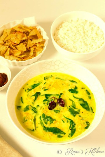 Lentil and spinach curry with coconut milk