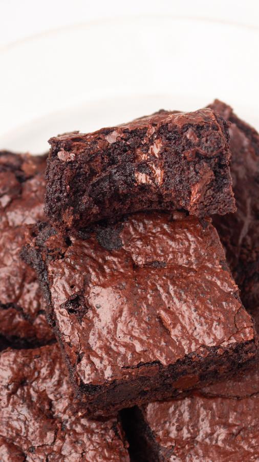 easy fudgy  chocolate brownies recipe