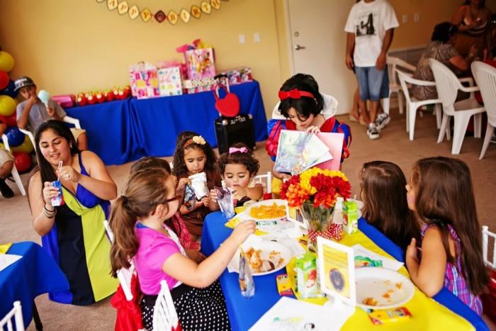 Snow White Birthday Party