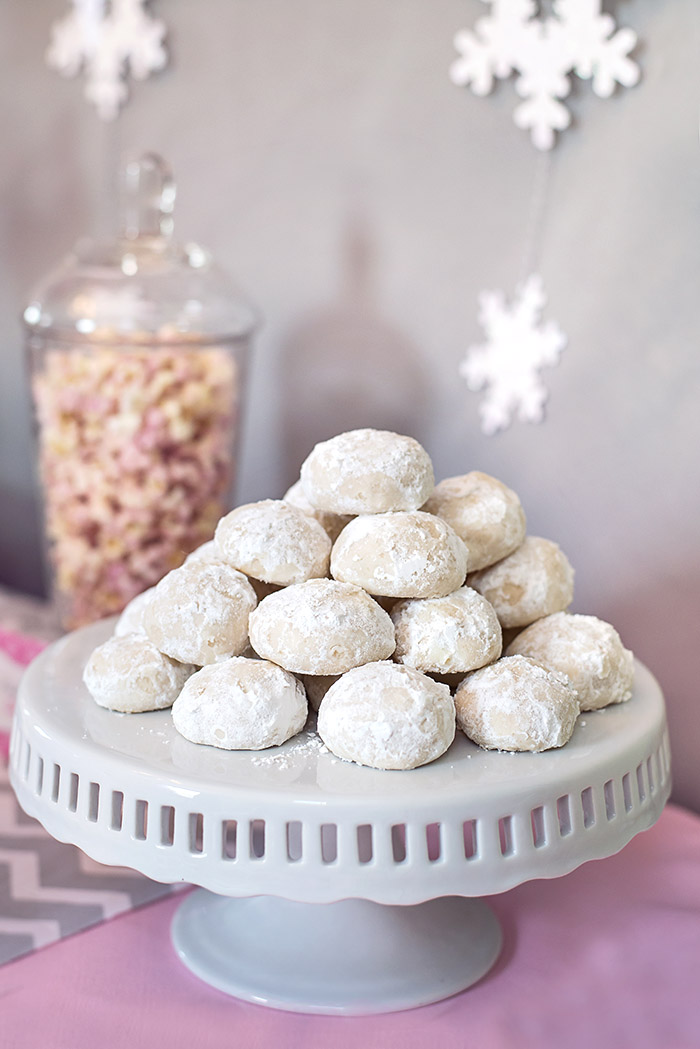 Almond Cookie Snowballs