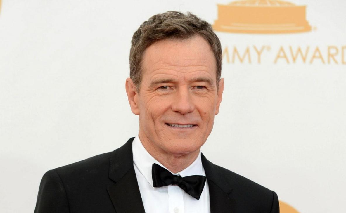 """FILE - This Sept. 22, 2013 file photo shows Bryan Cranston at the 65th Primetime Emmy Awards at Nokia Theatre in Los Angeles. CBS says """"Breaking Bad"""" star Bryan Cranston is coming back to """"How I Met Your Mother."""" Cranston will reprise his role as Hammond Druthers, who was Ted's old boss until he had a meltdown, the network said Wednesday, Sept. 25. (Photo by Jordan Strauss/Invision/AP, File)"""
