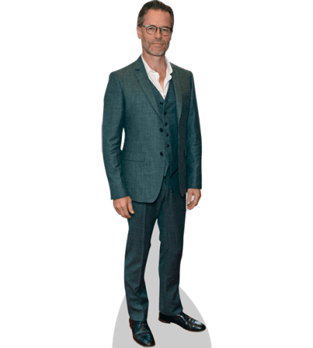 Guy Pearce (Suit)