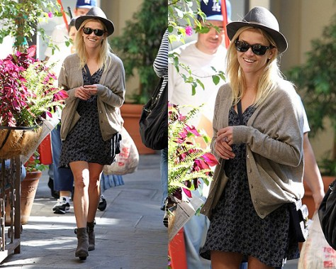 Reese Witherspoon in Heartloom Nora Dress