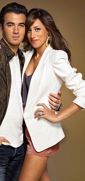 Danielle Jonas in Forever 21 Longline Single Button Blazer
