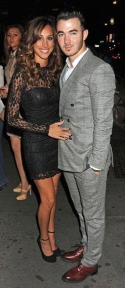 Danielle Jonas in Topshop Lace Body-Con Dress