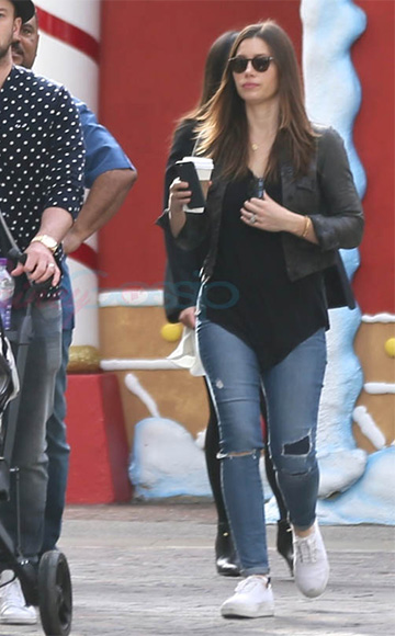 Jessica Biel, in Paige Skyline Ankle Peg Esme Destructed Jeans, and Justin Timberlake take their son to meet Santa in LA, December 2015