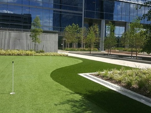 commercial-synthetic-turf-putting-green