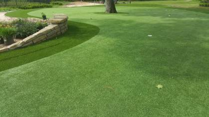 closeup of artificial putting green in Phoenix area