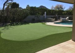 Backyard putting green in Scottsdale