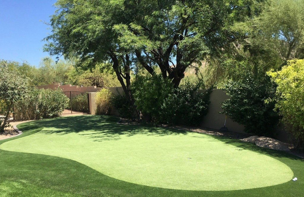 artificial grass putting green in backyard of Paradise Valley, AZ private home
