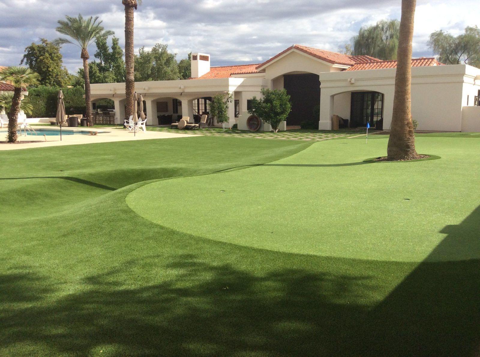 Paradise Valley AZ backyard putting green