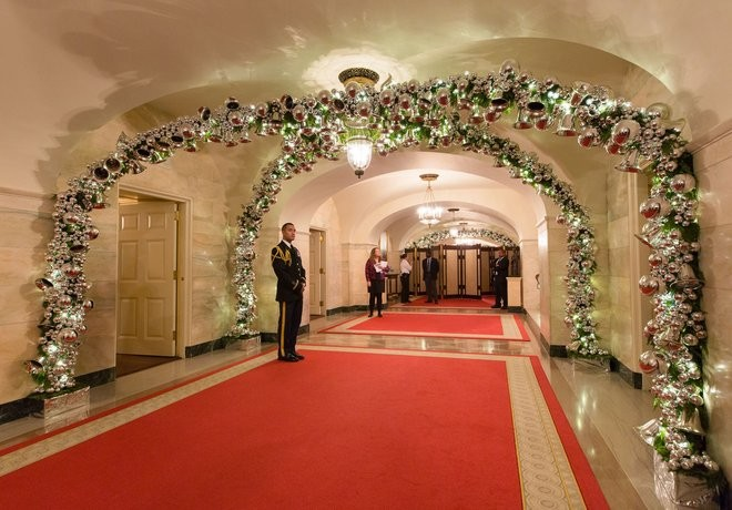 celebrity-homes-white-house-christmas-decorations-you-need-to-see-1 celebrity homes Celebrity Homes: White House Christmas Decorations You Need to See Celebrity Homes White House Christmas Decorations You Need to See 1