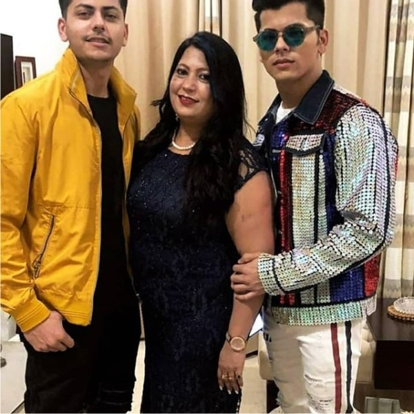 siddharth nigam with family