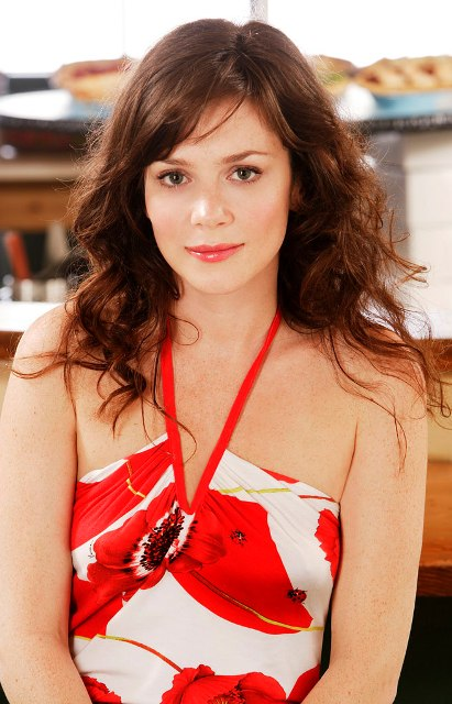 Anna Friel Bra Size Age Weight Height Measurements