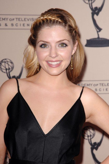 Jen Lilley Bra Size, Age, Weight, Height, Measurements ...