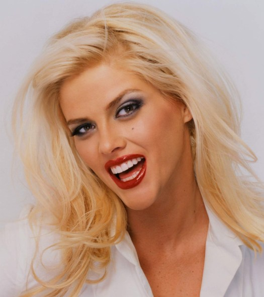 Anna Nicole Smith without makeup