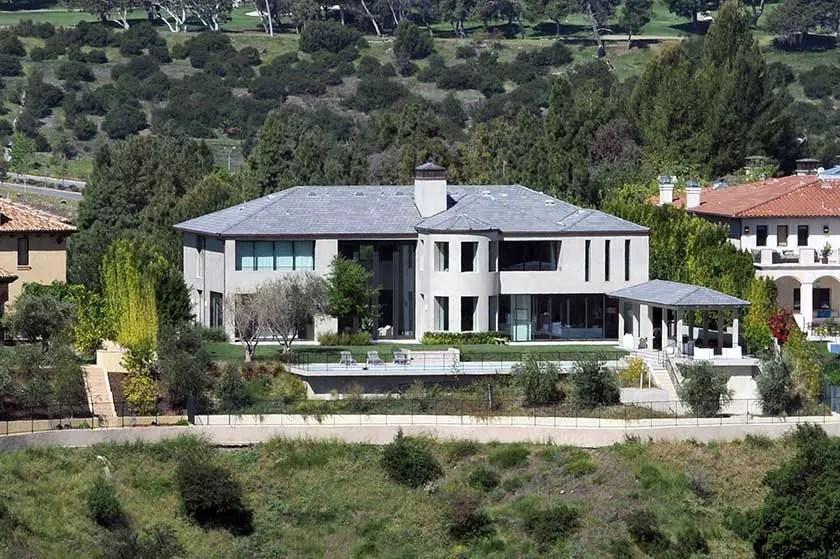 Kim Kardashian Amp Kanye West Sell Bel Air Mansion For 17 8