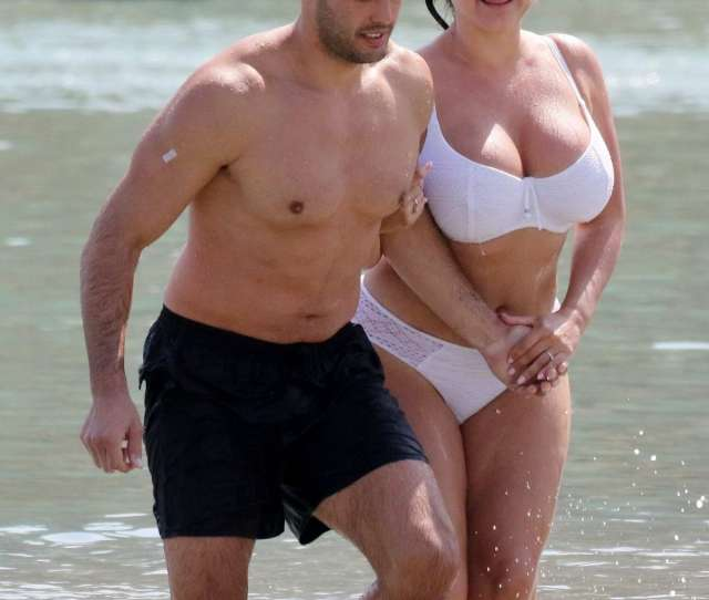 Kelly Brook Rocks A White Bikini At The Beach While On Holiday With Boyfriend Jeremy Parisi