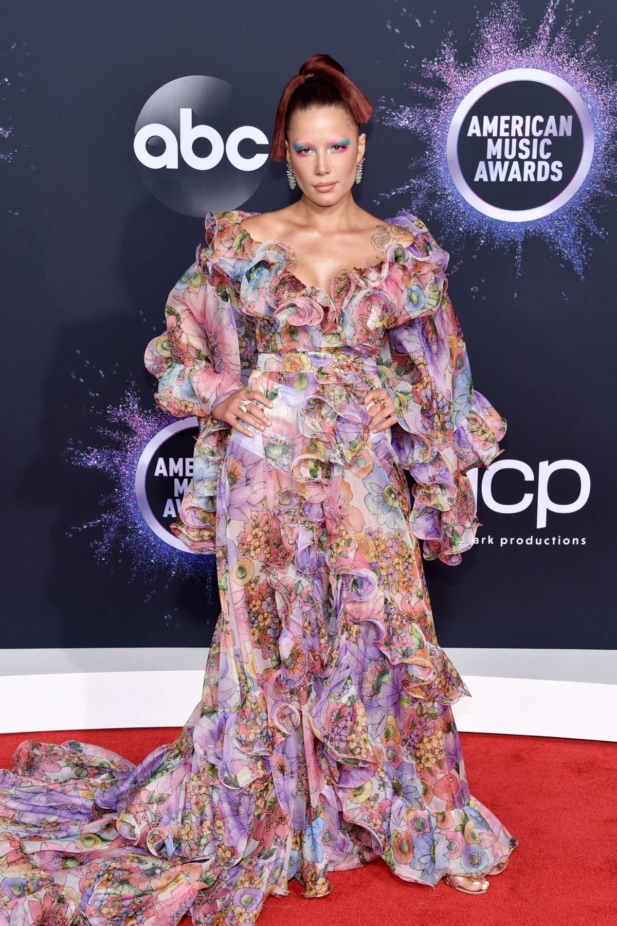 Halsey Attends The American Music Awards At Microsoft