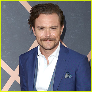Clayne Crawford Age, Birthday, Height, Worth, Wife, Family, Net salary, Weight