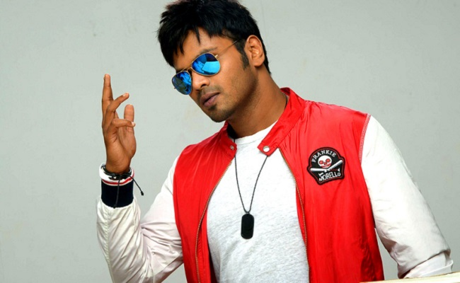 Manchu Manoj Age, Birthday, Height, Net Worth, Family, Salary