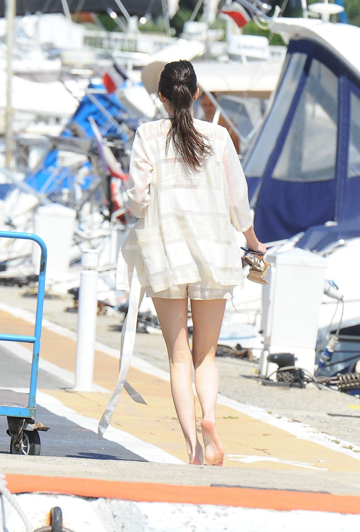 Kendall Jenner On A Yacht Amp Jet Skiing In Cannes Celebzz