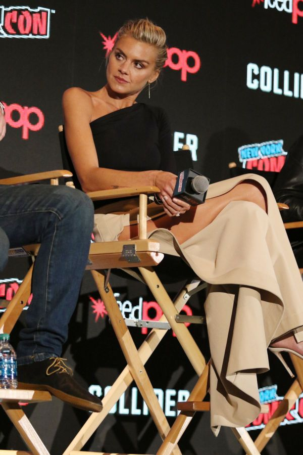 """Eliza Coupe At """"Future Man"""" Panel during New York Comic ..."""