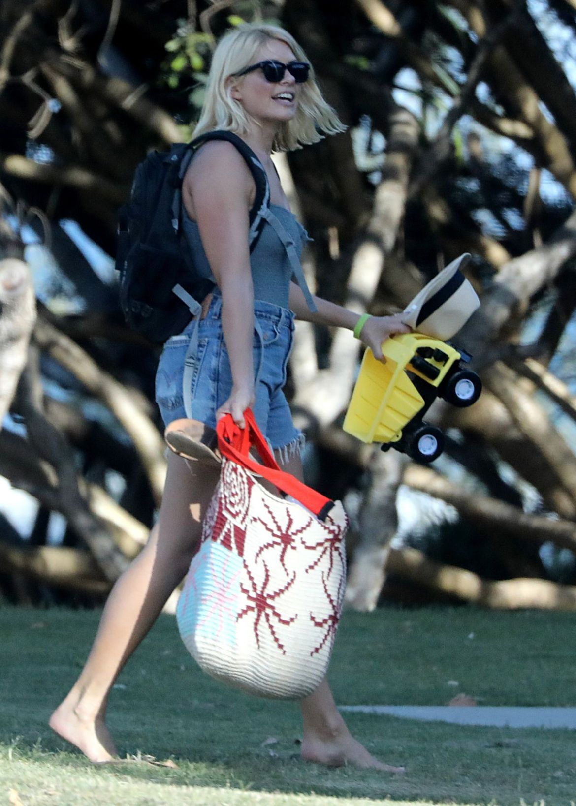 Holly Willoughby At Cabarita Beach in Australia
