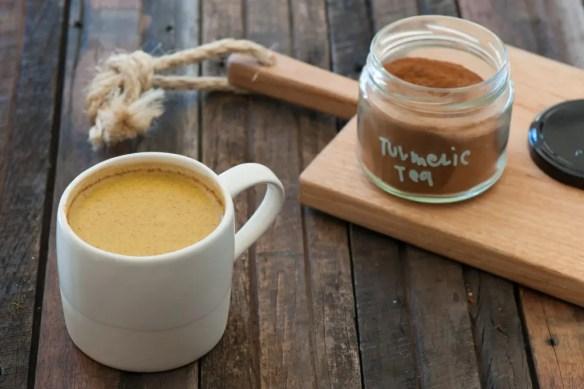 Detox drink - thé au curcuma et gingembre