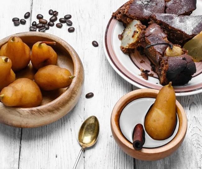 Découvrez ma recette facile et rapide de gâteau poire-chocolat au gingembre.