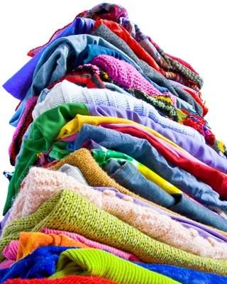 Que faire des vêtements dont on ne veut plus (où et comment s'en débarrasser de manière écoresponsable) ? 5 solutions green.
