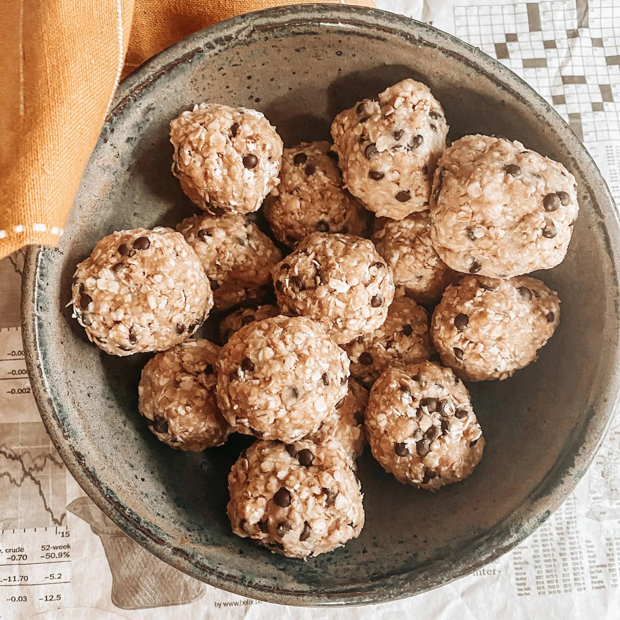 Recette d'energy balls faciles et rapides au beurre de cacahouète et sans datte
